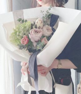 岐阜市花屋 ブーケ お花束 プレゼントブーケ 薔薇 アネモネ プロテア